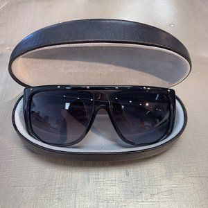 LUXURY Black Gucci Sunglasses, OS